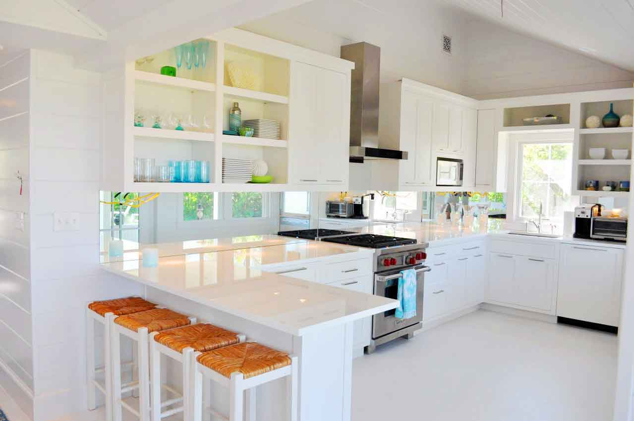 Tủ bếp màu trắng lên ngôi